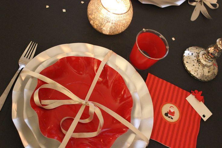 tavola delle feste rossa e argento