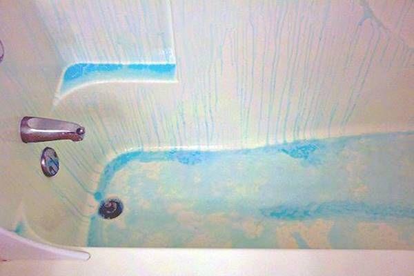 Nem értettem mitől olyan gyönyörű még mindig a több éves fürdőkádja, majd elárulta a titkot!