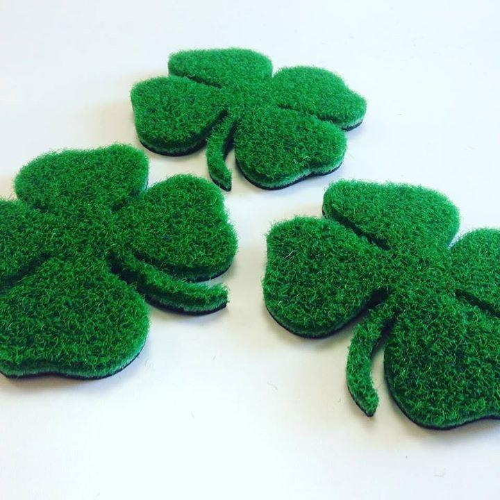Happy Saint Patrick Day! #fattoconilcuore #fattoamano #gltzerbinilucca #sanpatricksday #quadrifoglio #venerdi17 #tappetipersonalizzati http://ift.tt/2nAcCPh