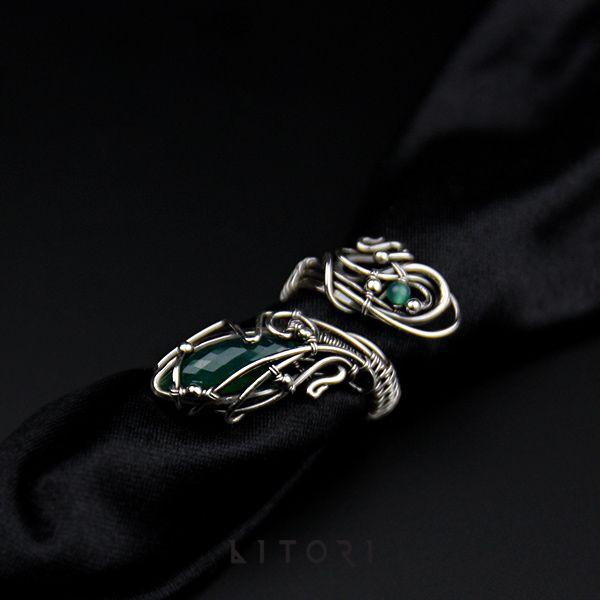 Duży pierścień z zielonym onyksem