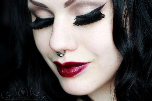Cute goth makeup