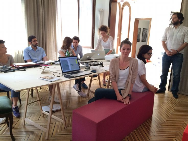 @Filippo_Berto meets the Casa Flora Design-Apart team in Venice during the second day of the workshop.