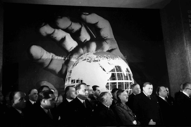 G31.Bukarest.Wanddekoration, greifende Hand
