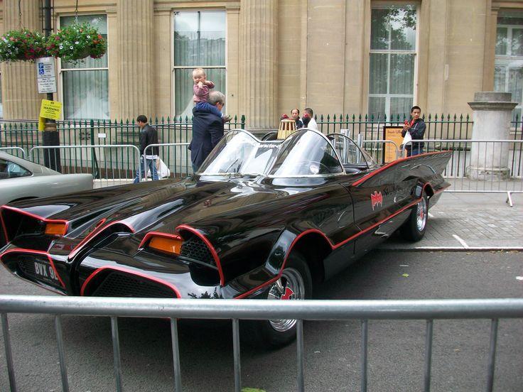 la voiture de batman trafalgar square dans le cadre dun concert organis par