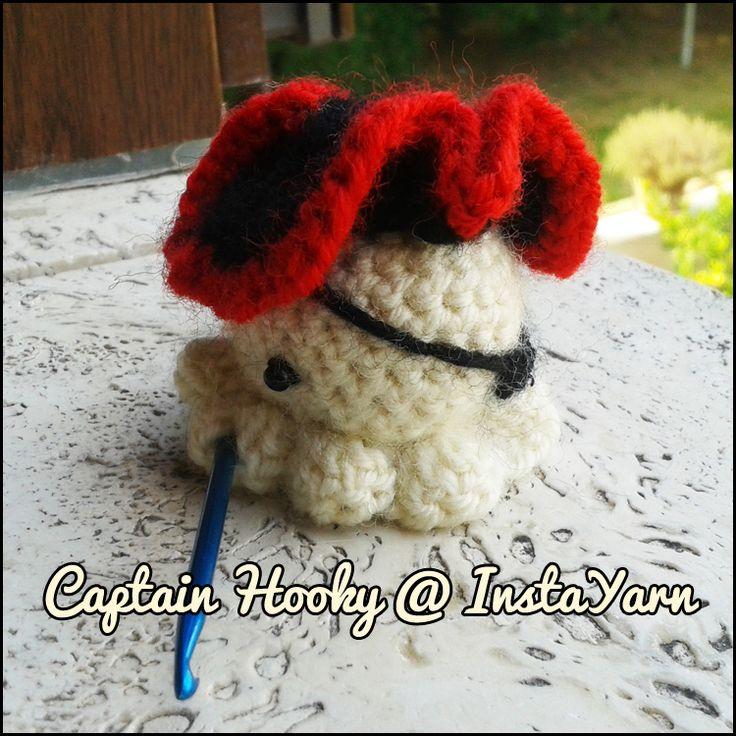 Il capitano Giacomo Uncinetto è il più spaventoso e carino primata di tutti i tempi!  Captain James Hooky is the scariest and also the cutest pirate of all time!  #amigurumi # crochet # instayarn #cute #handmade #octocute #squidlet #pirate
