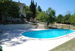 SENSAZIONE Kleine camping minicamping kamperen bij de boer rustieke camping vakantie appartementen vakantiehuis zwembad italie marche lavendelolie etherische olie