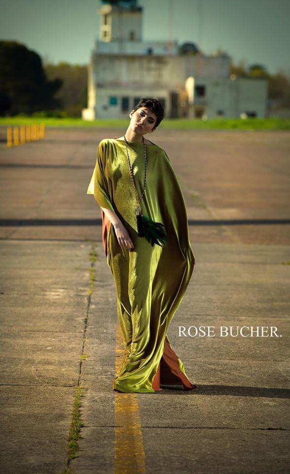 Rose Bucher Primavera-Verano 2014/2015  Elegante vestido de terciopelo verde electrico, sesion de fotos realizada en la Base Aerea de Moron, Buenos Aires, Argentina.  Encontranos en facebook e instagram.