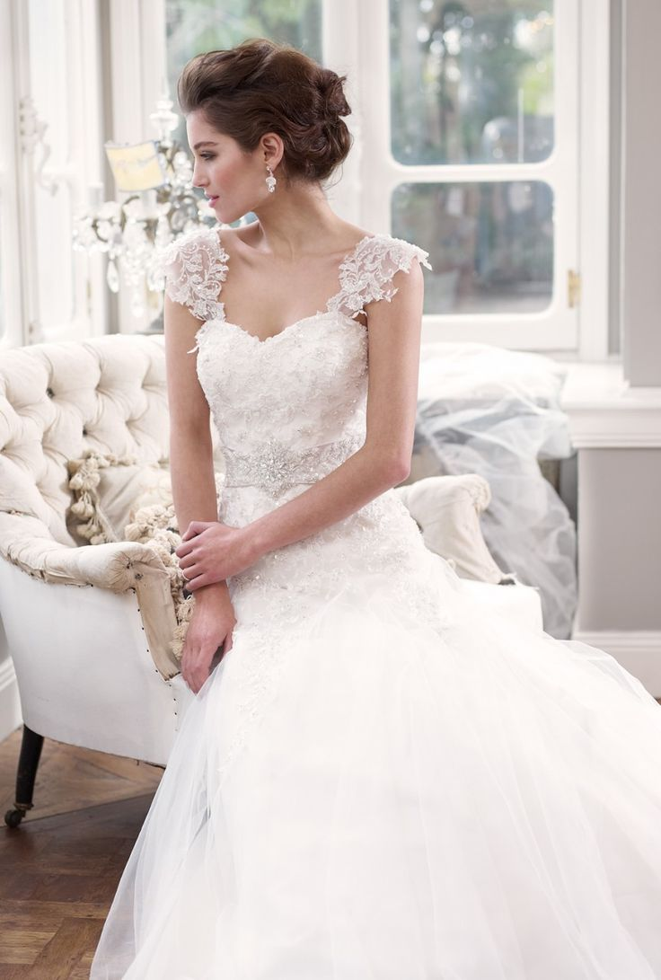 17 best images about wedding dresses on pinterest maggie for Wedding dress detachable sleeves