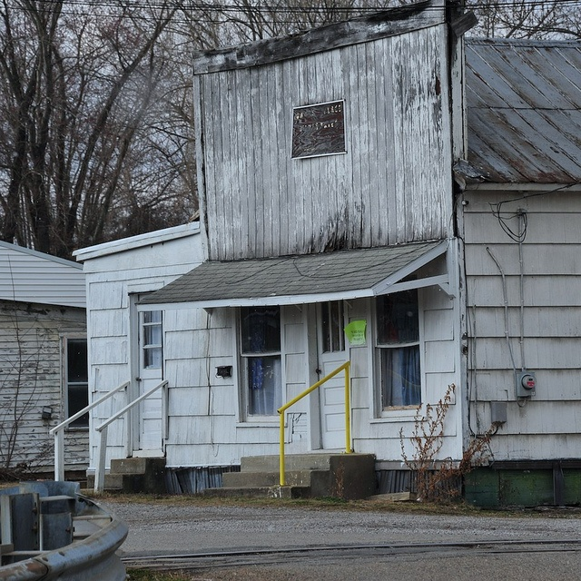Appalachian poverty in Eastern Ohio. Once an active town, with mining, foundries, rubber and foam rubber manufacturing.. Now just another depressed area.