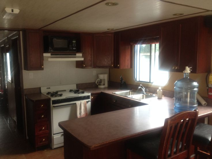 63 Foot Vessel of Fun - Shuswap BC Houseboat for sale!