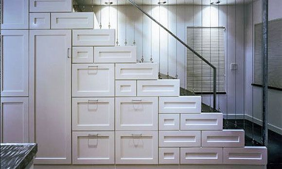 """Hello """"can't find anything""""  10 must-have luxury-home amenities: Storage space (©  Houzz)"""