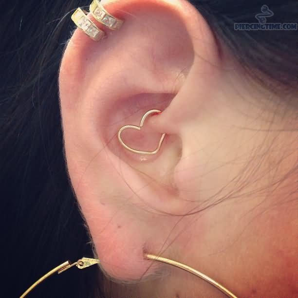 double cartilage daith ear heart piercing tattoo piercing ideas pinterest heart. Black Bedroom Furniture Sets. Home Design Ideas
