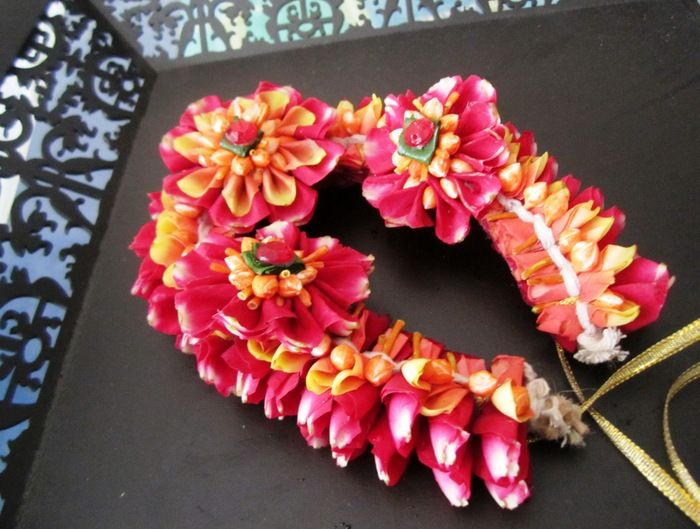 Flower Jewellery for your Mehendi : Check Out Floral Art in Mumbai !