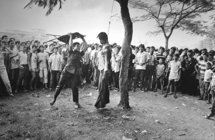 Pulitzer Prize Photography 1977: Neal Ulevich, Associated Press, disorder and brutality in the streets of Bangkok.