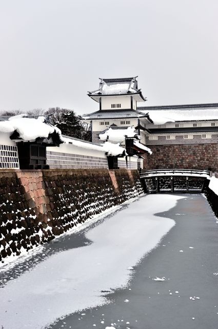 金沢城:Frozen Kanazawa Castle, Ishikawa, Japan