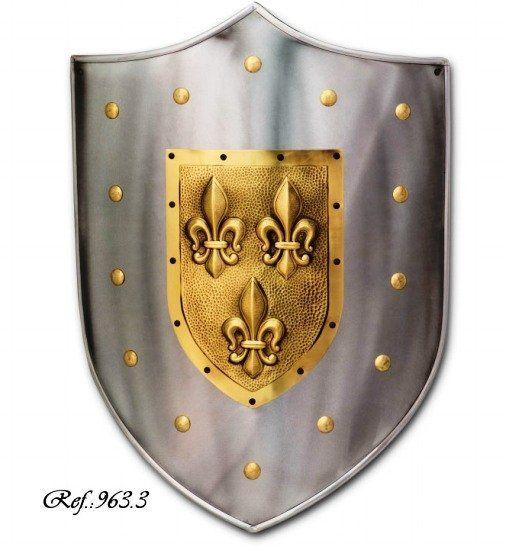Escudo de acero con relieve en dorado
