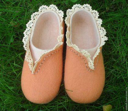 Обувь ручной работы. Ярмарка Мастеров - ручная работа. Купить Домашние тапочки Любимые. Handmade. Оранжевый, мерсеризованный хлопок