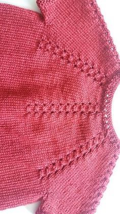 Ravelry: Coffalot\'s Ruby red cardigan