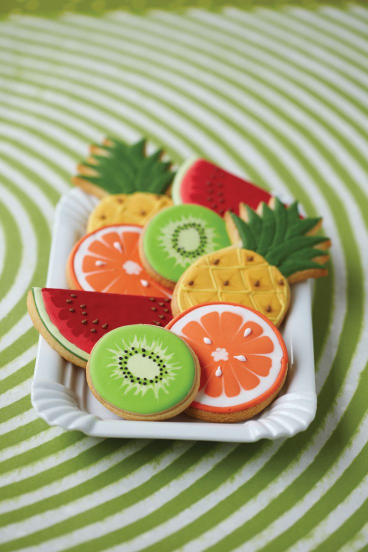 Fruit cookies - cute, the kiwi, watermelon and orange are just circle cutters, it's the icing that does the trick!