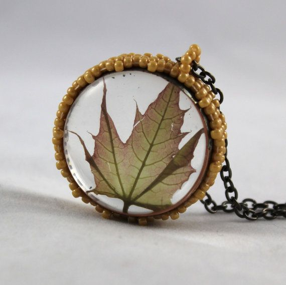 coupon code BOHOCINGARI for purchase 35$ 20% off  maple terrarium necklace real plant jewelry by SparkleCingari