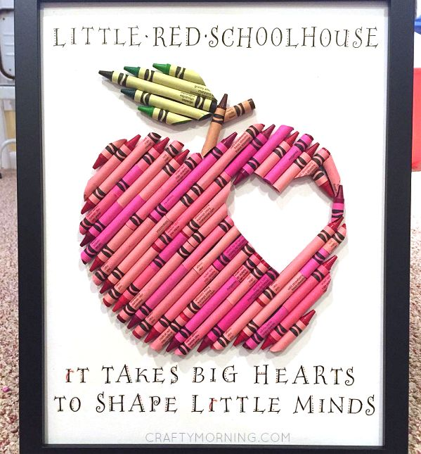 """This is the most creative crayon idea I have ever seen! A little red apple with a heart in the middle made of only CRAYONS! She then included the quote """"It takes big hearts to shape little minds"""" what a great gift for teachers! This was made by Masha Dasha Designs who does tons of …"""