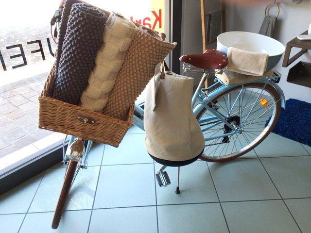E' arrivata la #bicicletta #Cipì , dal sapore #vintage #metropolitano ed al tempo stesso #countrychic. Ti aspetta nel nostro #showroom di #Brescia insieme a tante #novità e #accessori per completare il tuo #bagno -  www.gasparinionline.it