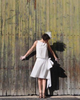 patron couture robe année 20  A faire en séparant la jupe du haut pour pouvoir la remettre plus facilement