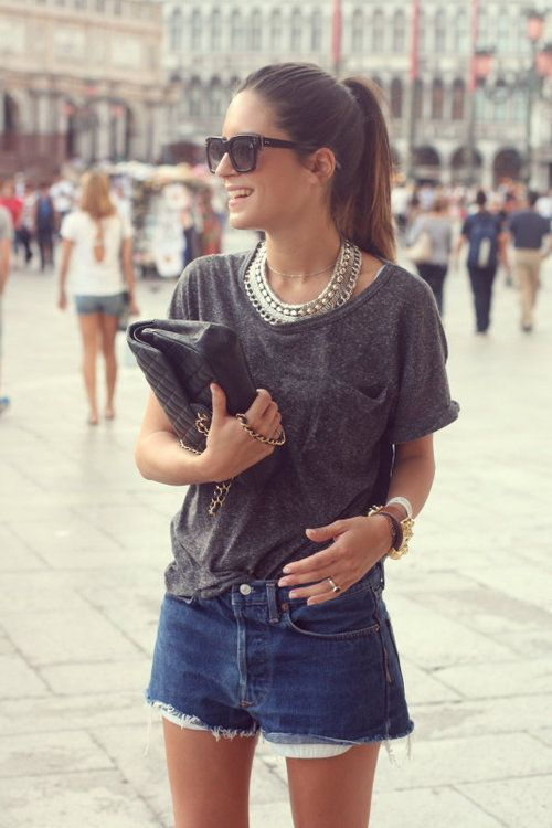 messy glamorous: Women Fashion, Statement Necklaces, Gala, Street Style, Outfit, Casual Looks, Accessories, Jeans Shorts, Denim Shorts