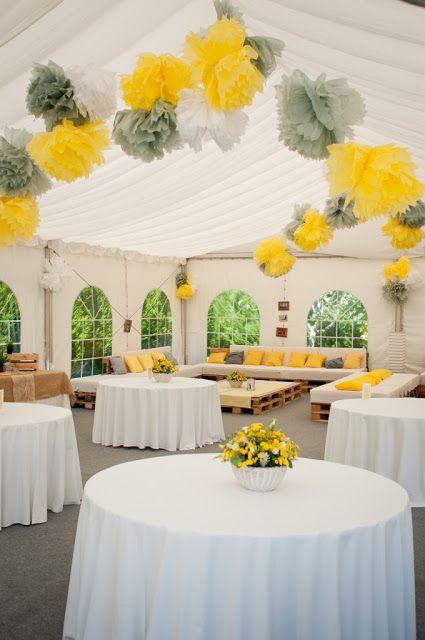 Boda amarillo y gris. Montaje de la carpa / Salón  en la boda de Rocío y Jose