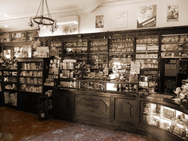 antica m nstermann a well established 39 english and american pharmacy 39 in florence that makes