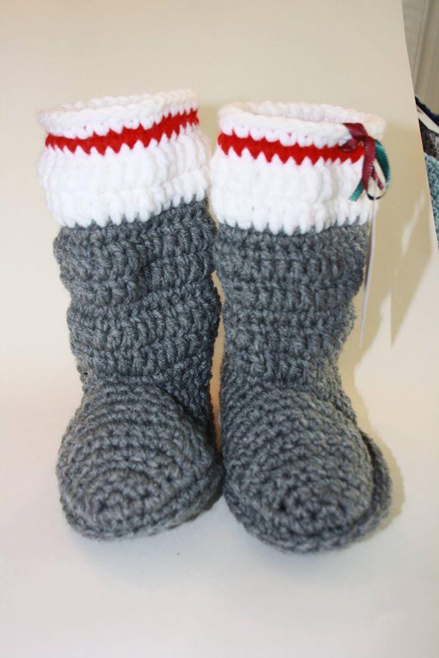sock style slipper boots for the whole family perfect for gift handmade pantouffles style bas de laine parfait pour la famille parfait en cadeau