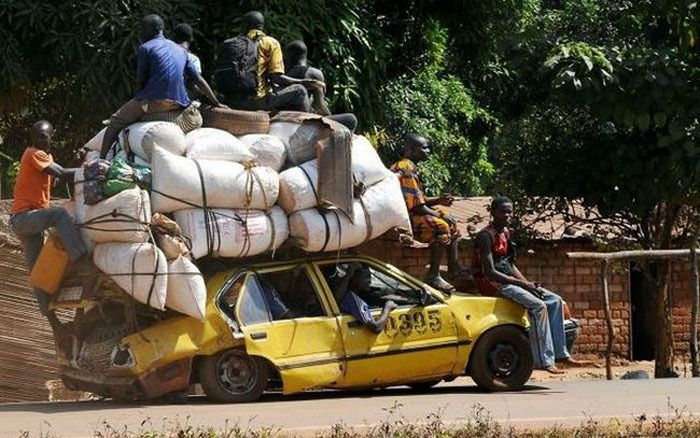 Picture Of An Overloaded Car - Funny traffic #landmarkautoinc