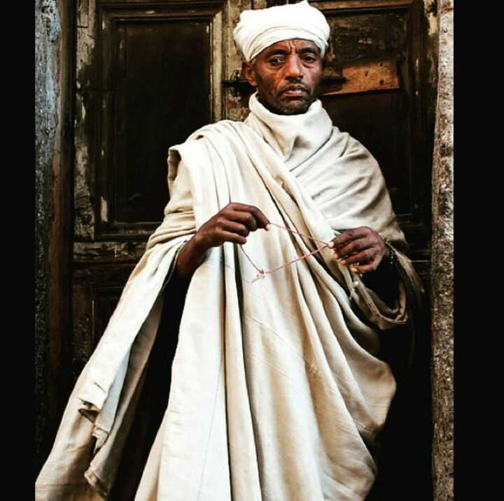 1st of September takes us back to the Horn of Africa, but this time we are stopping by Eritrea and see how they keep warm.  The Gabi is a wrap around blanket hand-spun and handwoven out of cotton.  It is primarily worn over the shoulders and upper body. However, it also serves it's purpose as a blanket, pillow, mattress and wrap against the cold. #tasanni #ethicalfashion #fashion #fashionblogger #tuesday #talktuesday #education #knowledge #knowledgeispower #madeinafrica #eritrea