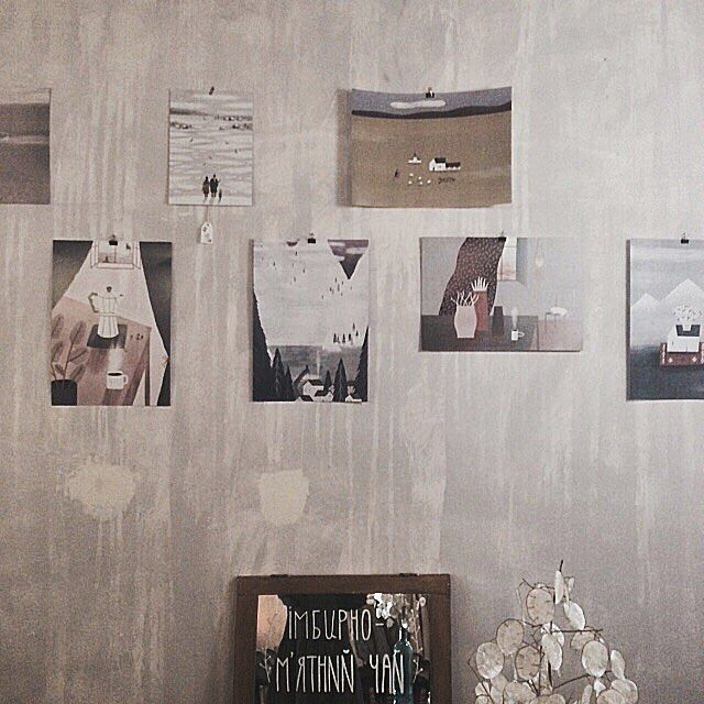 фото из @shchos_cikave где можно посмотреть и приобрести мои иллюстрации в виде постеров и открыток.  а вообще я хочу сообщить что в киеве открылась выставка 'ілюстарт' в рамках 13 'французской весны в украине' где будут представлены украинские и французские иллюстрации. благодаря команде pictoric и моих несколько работ можно там обнаружить  место проведения: sky art foundation | киев стрелецкая 7/6 @skyartfoundation by nastiasleptsova