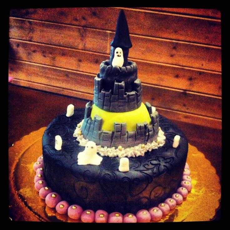 Haunted Castle Cake!