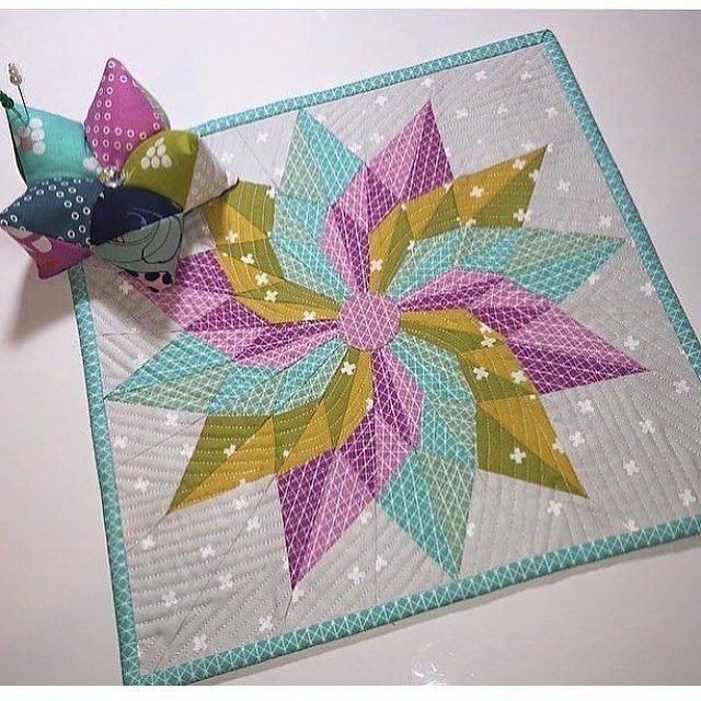 So Pretty Thank You Lisaquiltslikeaboss Pattern Is Called Good Lucky Star By Banner Creek Designs S Star Quilt Patterns Paper Piecing Quilts Mini Quilts