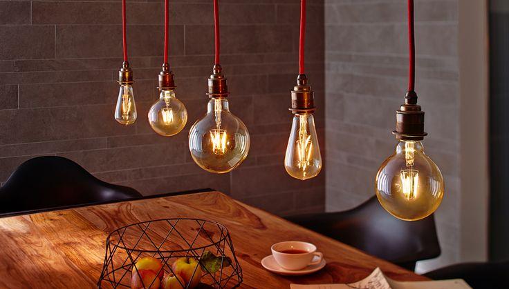 Mit den Paulmann Licht 1879 LEDs bringt ihr das Retro-Feeling in euer Zuhause. Unsere LED Vollglas-Lampen mit 1.800 Kelvin wirken so wohlich wamr wie Kerzenlicht. Die hochwertigen LEDs im Vintag Look werden durch ihr Design zum echten Hingucker.