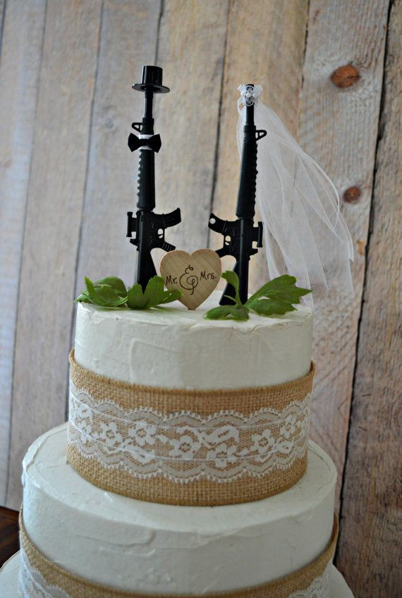 Best Cake Decorating Gun : 25+ best ideas about Army Wedding Cakes on Pinterest ...