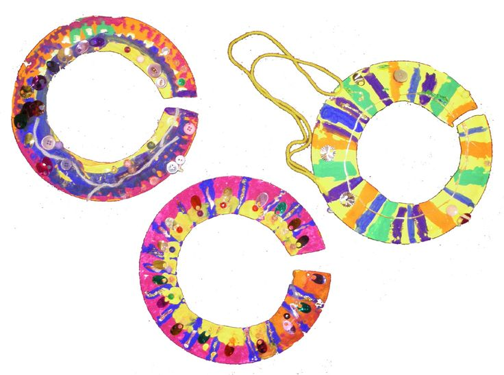 Another great paper plate lesson. Students learn about the great necklaces worn by women in African tribes. Cut out, paint, add beads, buttons, and other decorations to make their own!