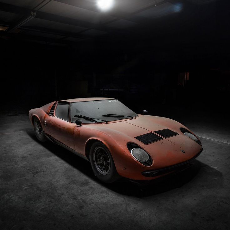 The Oldie But Goodie   Utwo: Lamborghini Miura ( Untouched In A Small.