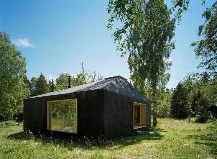 Summerhouse at Söderöra by Tham and Videgård Arkitekter modern cabins