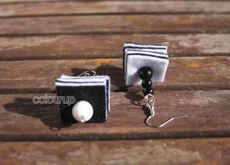 Snoep oorbellen ~ €2,75 (vilt en acryl kralen) #snoep #candy #Earring #oorbel #oorbellen #drop #beads #kralen #vilt #felt #black #zwart #wit #white #handgemaakt #handmade #fun #funny #happy #vrolijk #gift #present #fashion #online #kopen #buy #2015