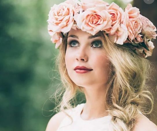 1000 Ideas About Wedding Hairstyles On Pinterest: 1000+ Ideas About Flower Crown Hairstyle On Pinterest