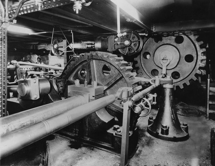 . 1895 The main shafting of the hydraulic machinery at Tower Bridge.