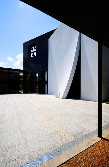 Philip Johnson's Chapel of St. Basil, University of St. Thomas, Houston, TX. by Pepper Watkins, via Flickr
