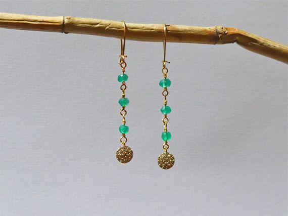 Boucles d'oreilles or perles en onyx vert et petit par MADEINFAMILY