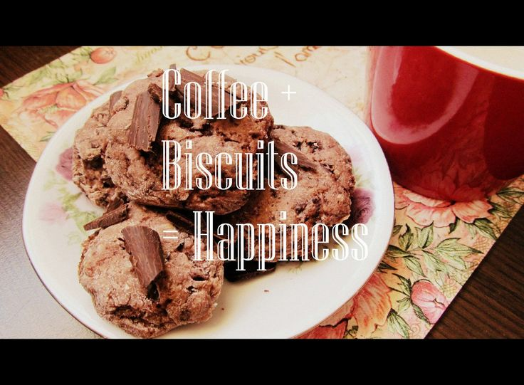 Biscuits with chocolate and nuts, perfect for a cup of coffee  http://atelier-carmen.blogspot.de/2014/08/biscuiti-cu-ciocolata-nuci-si-alune.html