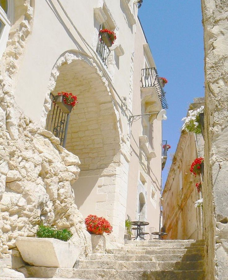 Visit Sicily (@VisitSicilyOP)  Ibla Ragusa ph B Ferraro #summerinsicily #yummysicily