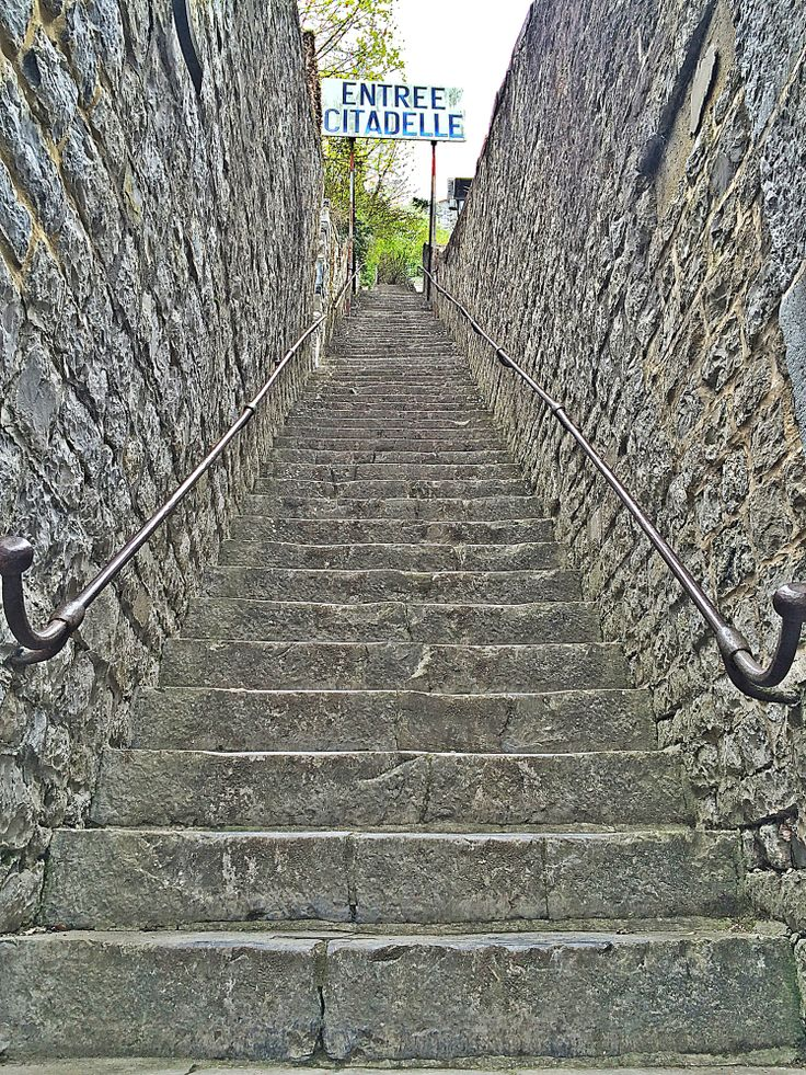Dinant, stairs to citadelle