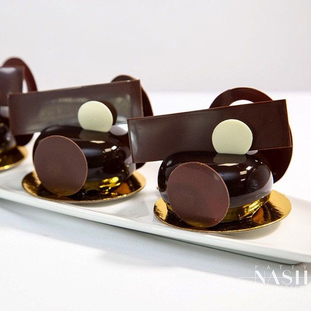 Chocolate Petit Gateaux photo by @patnashpics #bachour #bachoursimplybeautiful #valrhona | by Pastry Chef Antonio Bachour